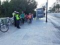 2019-10-31 Policia Local de València en bici acompanyant a un grup de ciclistes.jpg