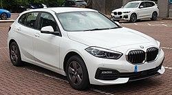 2019 BMW 118i SE 1.5 Front.jpg