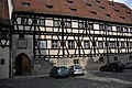 85-Wappen Bamberg Domstr-Westfassade-Alte-Hofhaltung.jpg