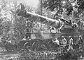 A French 400 mm railway gun at Le Petit Hangest, 1916.jpg