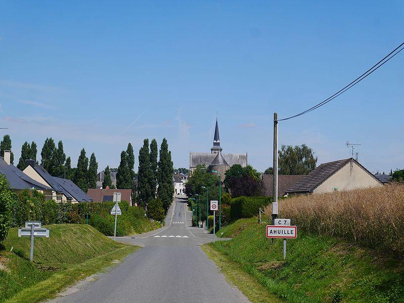 L'entrée rue des Souvenirs (côté sud).