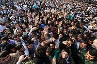 Ali Khamenei in Rahian-e Noor04.jpg