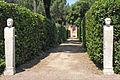 Allée et Hermès dans le jardin de la villa Médicis (Rome) (5841807624).jpg