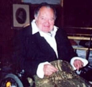 Leon Askin - Askin in Summer 2001