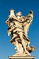 Ange à la colonne d'Antonio Raggi, pont Sant'Angelo, Rome, Italie.jpg