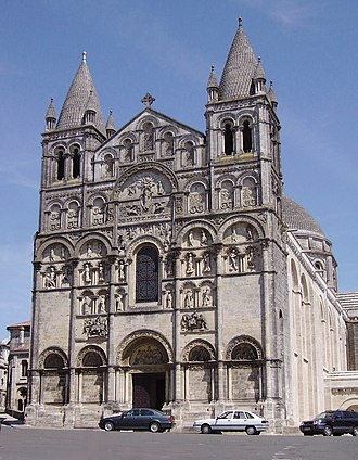 Charente - Image: Angouleme cathedral St Pierre ac
