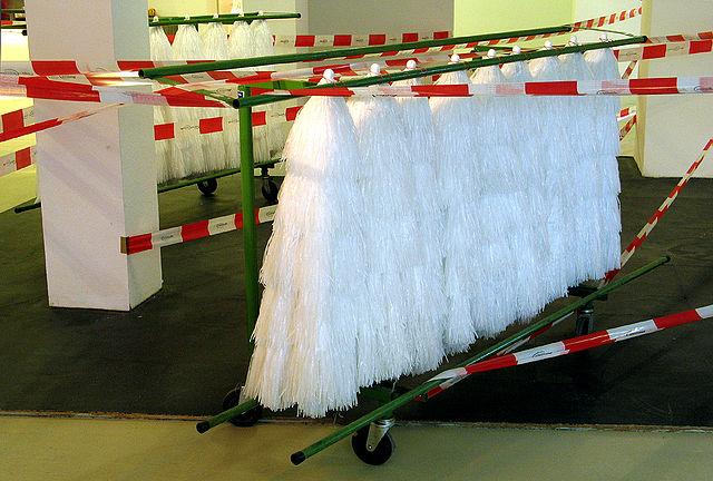 file anna grunemann hawaii hannover 15x19m hawaiischirme flatterband wagen auf der art f. Black Bedroom Furniture Sets. Home Design Ideas