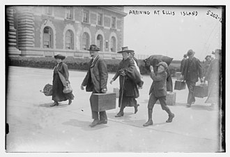 Ellis Island - European immigrants arriving at Ellis Island, 1915