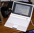 Asus EEE PC with License Agreement window.jpg