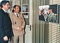 Avec Jean-Pierre Chevenement lors de sa Visite du SIRPA 1989.jpg
