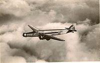 Avion d.338 trimoteur commercial en vol.jpg