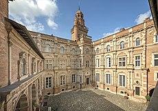 Bachelier - Hôtel d'Assézat - Toulouse - La cour d'honneur.jpg