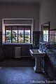 Bagno nella palazzina degli ospiti - stabilimento ex ceramiche Vaccari.jpg