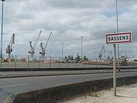 Bassens 1 (docks sur la Garonne).JPG