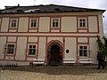 Bečov nad Teplou, budova NPÚ v areálu zámku.jpg