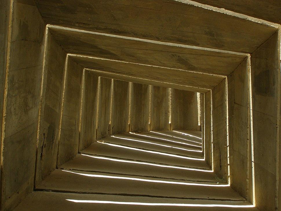 Beersheba, Monument to Negev Brigade, Snake 01