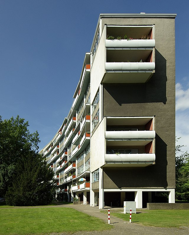 3rd place: Apartment building by Walter Gropius in the Berlin Hansa District
