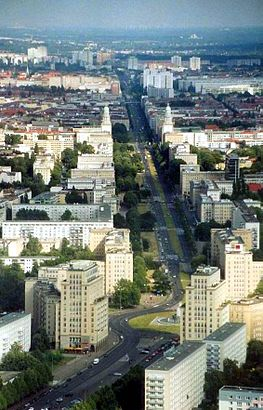 How to get to Karl-Marx-Allee and Schillingstraße with public transit - About the place