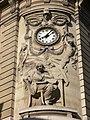 Bibliothèque nationale de France - site Richelieu - bas-relief et pendule angle Vivienne-Colbert.jpg