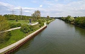 Blick-Ripshorstbruecke-Rhein-Herne-Kanal-2021.jpg