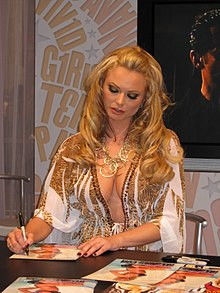 Briana Banks at AEE 2008 Day 3 2.jpg
