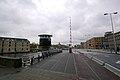 Brug naast Scheepvaartsmuseum in Amsterdam (4094357588).jpg