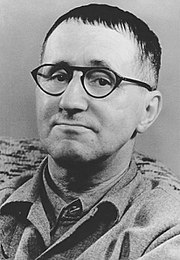 Bertolt Brecht in 1948. Collectie: Bundesarchiv.