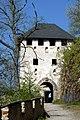 Burg Hochosterwitz Waffentor 22042007 1600x1200 01.jpg