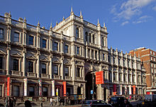 Picture of the front of Burlington House on Piccadilly