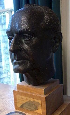 E. E. Evans-Pritchard - Image: Bust of E. E. Evans Pritchard