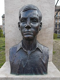 Bust of Sándor Bauer by Ottó Hargitai, 2016 Józsefváros.jpg