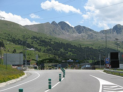 How to get to Túnel D'Envalira with public transit - About the place