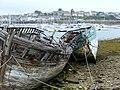 Camaret, vieilles barques de pêche, cimetière des bâteaux - panoramio (1).jpg