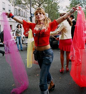 Dr. Camille Cabral, une activiste des Transgenres à une manifestation contre le transphobie à Paris en France, 1er octobre 2005