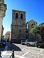 Campanile della cattedrale visto dalla piazza.jpg