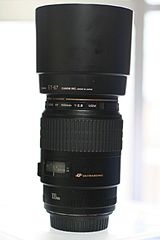 Canon EF 100mm F2.8 Macro USM with attached lens hood-flickr - by - Usodesita.jpg