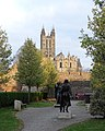 Canterbury Cathedral and statues of Bertha and Æthelberht 01.jpg