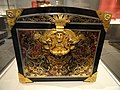 Casket, early 18th century, attributed to Andre-Charles Boulle, oak carcass veneered with tortoiseshell, gilt copper, pewter, ebony - Art Institute of Chicago - DSC09745.JPG