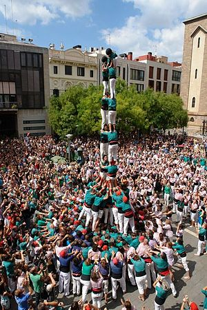 Sabadell - First 2 de 8 amb folre carregat by Castellers Sabadell in the Festa Major in 2011
