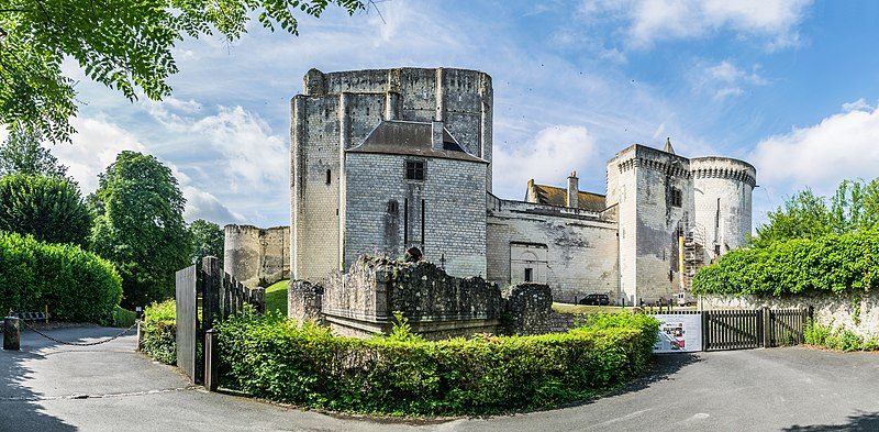 File:Castle of Loches 05.jpg