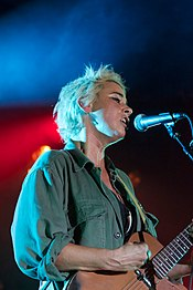 Cat Power performing in London, 2018.