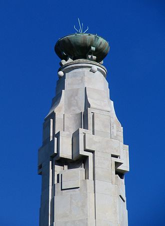 Dunedin Cenotaph - Detail of the top of the Cenotaph