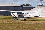 Cessna 206 (5719956081).jpg