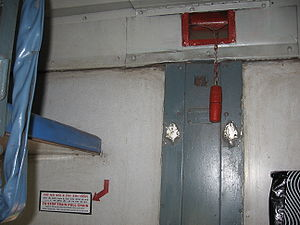 Emergency brake (train) - Image: Chain Indian Railways