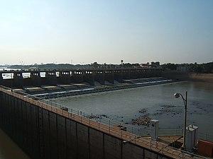 Chao Phraya Dam - Image: Chaophraya Staudamm 2