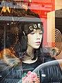 Charleville-FR-08-mannequin en vitrine-01.jpg
