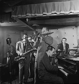 Charlie Ventura, Curley Russell, Bill Harris, Ralph Burns, and Dave Tough, Three Deuces, New York, N.Y., ca. Apr. 1947 (William P. Gottlieb 00911).jpg