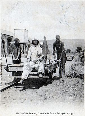 Dakar–Niger Railway - A French colonial railroad inspector and three unidentified men in 1904