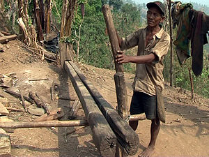 Chepang people - A traditional device used by Chepang to extract oil from Chiuri seeds