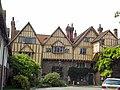 Cheyney Court, Winchester (9419009992).jpg